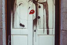 AMAZING DOORS / by Sandi Dufern