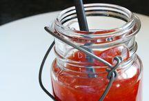 Yum Condiments, Jams, Sauces & Rubs / by Thalia Gomes