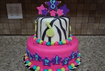 children's birthday cakes / by elda alvarado