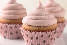 Mary Loves Cupcakes / Cute cupcakes, recipes, and cupcake baking tips. / by Mary Pillow