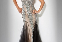 Gown fashion  / by Rosalia Salomone