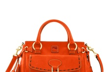 Handbag love / by Lisa Kalinowski