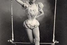 Vintage circus / by Tina Cervera (Antonion)