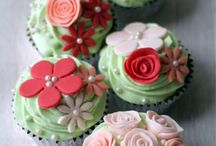 cupcakes / by Yvonne Crawford