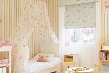 Toddler girl bedrooms / Toddler girl bedrooms ideas & projects / by Caroline Garland