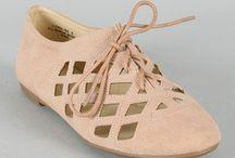 Shoeeessss / by Chelsea Higgins