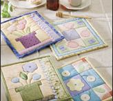 FREE.....Quilted Pot Holder Patterns / All patterns are free to download and use / by Suzee Newton