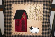 Primitive/Country Pillows / by Beverly Gannon