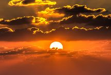 Sunrise, sunset, sky and the moon / by Analía Monteverde