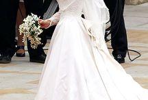Vestidos de Novias Famosas / Todos los vestidos de novias de la celebridades más famosas  / by Zentidos Eventos Consultoria