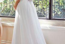 Wedding dress / by Aarin Schlosberg