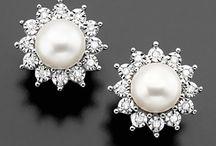 Sparkly Jewels / by Susan Whitelocks