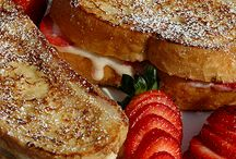 french toast ,waffles & pancakes / by Debbie Floyd