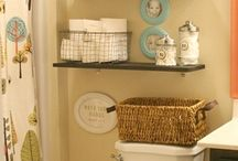 Bathroom Idea's / by Veronica Wildes-Guerrero