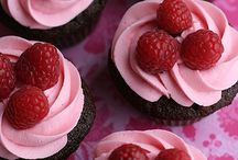 Baked Goods - Cupcakes and Muffins / by Mary Weise