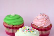 Good Eats: Cupcakes / My favorite kind of cake! / by Joanne Jones