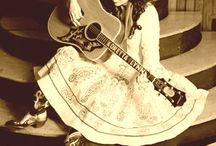 Hippy chick twang ...... / by Fran McCloskey