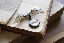 button jewellery / by Jessamyn Sommers