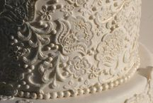 Cakes / by Jannette Zambrana