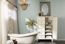 Bathrooms / by Lisa Irwin
