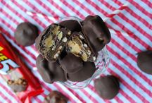 Desserts / by Joyce Kauffmann-Woodruff