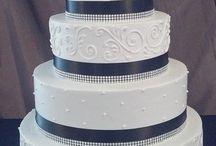 weddingcakes / by Olivia mcclellan