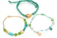Pulseras/bracelets <3 / by Tatiana Valdés