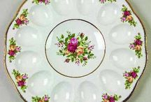 Floral-Themed China Patterns / by Classic Replacements