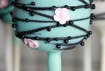 cake pops / by Agnese Misikevica
