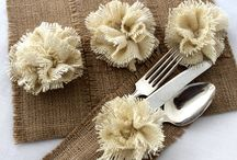 Thanksgiving Entertaining Ideas / Co-Hosted by The Party Dress and The TomKat Studio, and bloggers including: Somewhere Splendid, Celebrations at Home, Paper & Pigtails, Half Baked - The Cake Blog, Two Sugar Babies, CupcakeMAG, Le Papier Studio, The Celebration Shoppe, Pen 'n Paperflowers. 