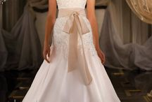 Wedding Dresses / Future ideas / by Alex Cowden
