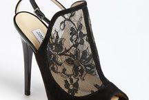 Zapatos, Sandalias y,Botas / by belen fernandez alonso