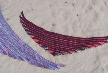 Knitting Wraps and Scarfs / by Lis Bjørnsgaard