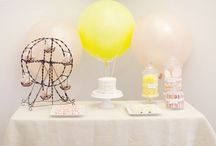 Cupcake stands / by Miss Overballe