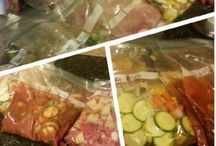 Crockin' and Freezin' / Crock pot meals or recipes id like to convert to the crock / by April Bunch