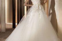 Strapless Wedding Dress / by Desak Putu Hita Karina Riadika Mastra