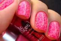 pretty nails / by Jennifer Pratt