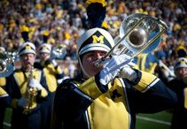 College Game Day Ambiance / Football season is here, and these 20 towns come alive on game day.  http://www.10best.com/awards/travel/best-college-game-day-ambiance/ / by 10Best - A Division of USA TODAY Travel