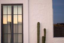Fachadas de casas, ideas / by Maria Mussettola