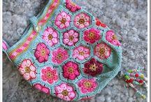 Crochet bags & buskets | Horgolt táskák, kosarak | Gehäkelte Taschen & Körbchen / by Nanon // NanonArt