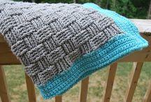 yarn crafts / by Mandi Tolen