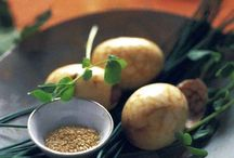 Om Noms: Side Dishes and Appetizers / by Rie