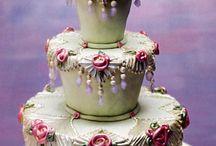 Beautiful Cakes / by Linda Bayarena