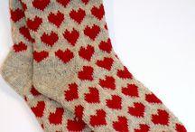 Villasukat / ideas for knitsocks... / Tämä taulu on pullollaan ideoita villasukkaprojekteihin, tulokset laitan omat villasukat tauluun. Neuloosin kourissa olen, työn ja perhe-elämän lomassa suunnittelen ja neulon mitäpä muuta kuin villasukkia tietenkin! Here you can find lots of ideas that i use in my knitsock projects, results i put to my knitsocks file. Happy knitting!! / by Titta Järvensivu