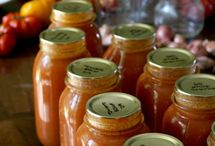 Canning & freezing & preserving  / by Holly Machosky