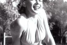 Marilyn / by Linda Bayarena