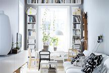 Dnevna soba / U svojoj dnevnoj sobi pričaš svoju priču. A naš ti namještaj za dnevnu sobu može u tome pomoći. S puno načina na koje možeš izložiti stvari koje si izradio/la i mjesta koja si posjetio/la. I puno udobnog mjesta za sjedenje – jer, najbolje je to podijeliti s onima koje voliš. / by IKEA Hrvatska