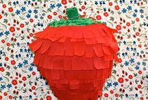 Piñatas! / by Kelly Lanza | Studio DIY