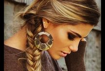 Hairstyles / by Galaxy Girl