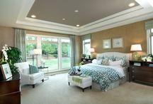 Bedroom decor ideas / by Linda Drum